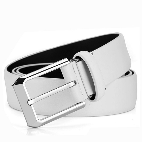 Buckle Leather belt.
